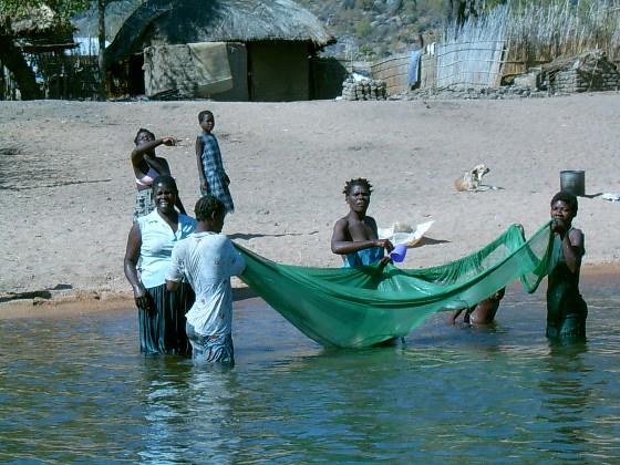 Malawi - mensen die leven aan het water