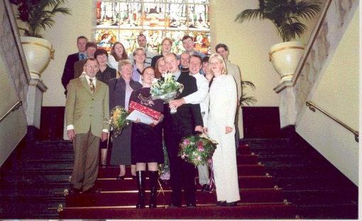 Op de trappen van het Academiegebouw bij mijn bul-uitreiking (oktober 2000)